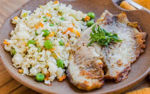 Filé de peixe com arroz à grega – 520g